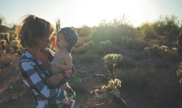 """Защо е необходимо да казваме """" Обичам те """" на децата ни и на партньора ни ?"""